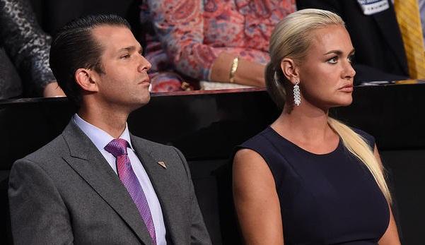 """""""مسحوق أبيض"""" ينقل زوجة نجل ترامب إلى المستشفى"""