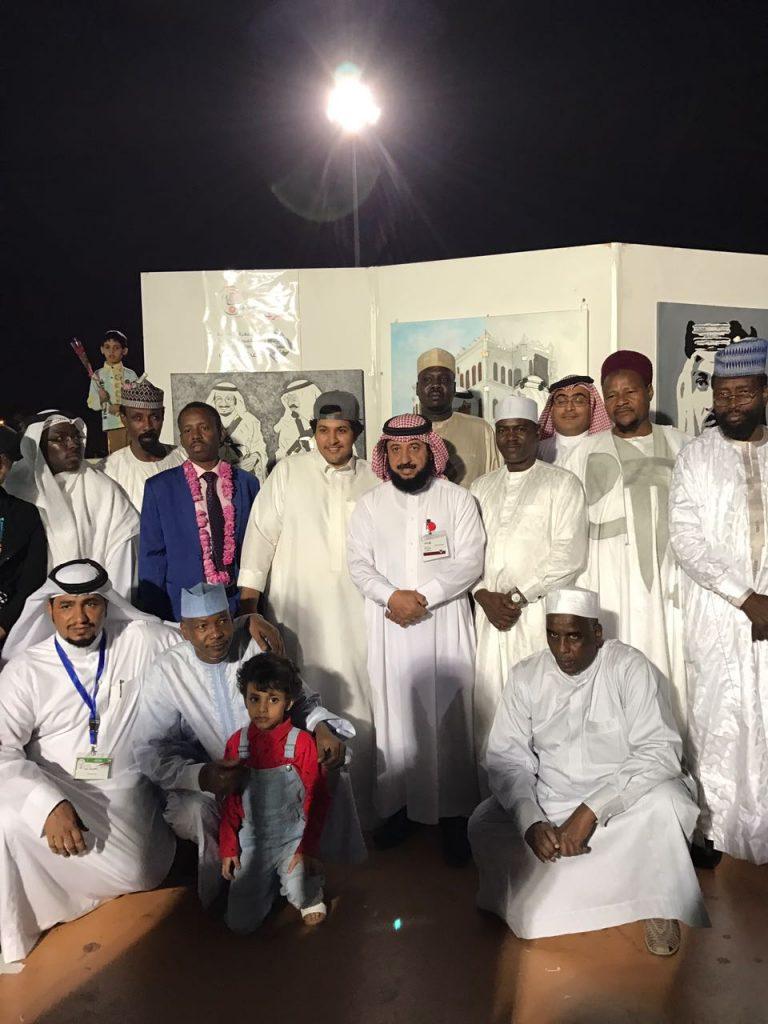 الفنان محمد الحارثي: أكثر من 200 لوحة جذبت زوار مهرجان ورد الطائف بكثافة .. وتلقينا وعودًا بمعرض دائم للتشكيليين
