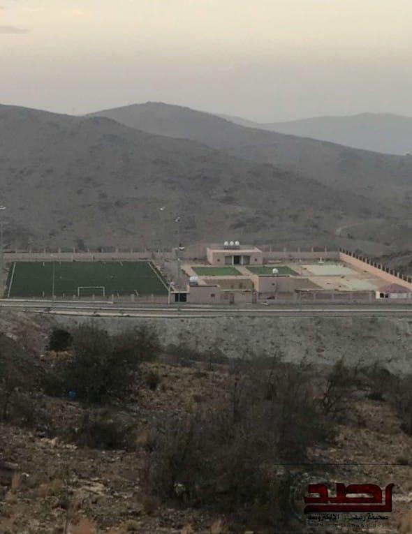 ملعب أحياء وقرى بني كبير يضع البلدية في حرج