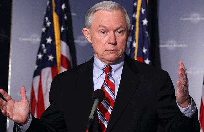 وزير العدل الأمريكي يستقيل من منصبه