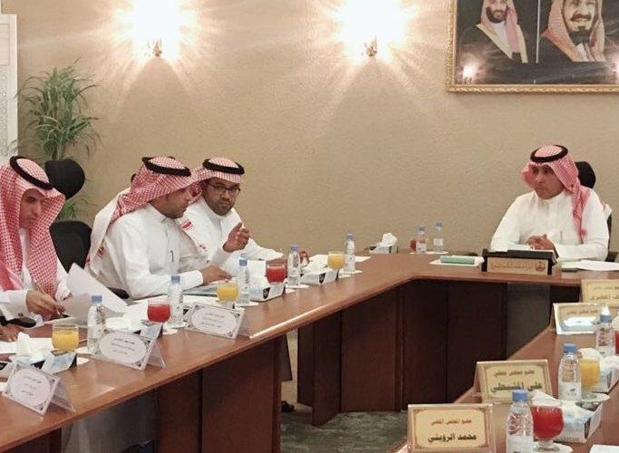 محافظ الحناكية يجتمع بأعضاء المجلس المحلي