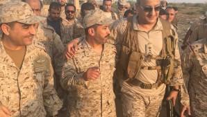 الأمير فهد بن تركي يتجول في «ميدي» اليمنية بعد تحريرها (فيديو وصور)