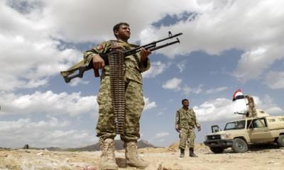 الجيش اليمني يأسر عشرات الحوثيين