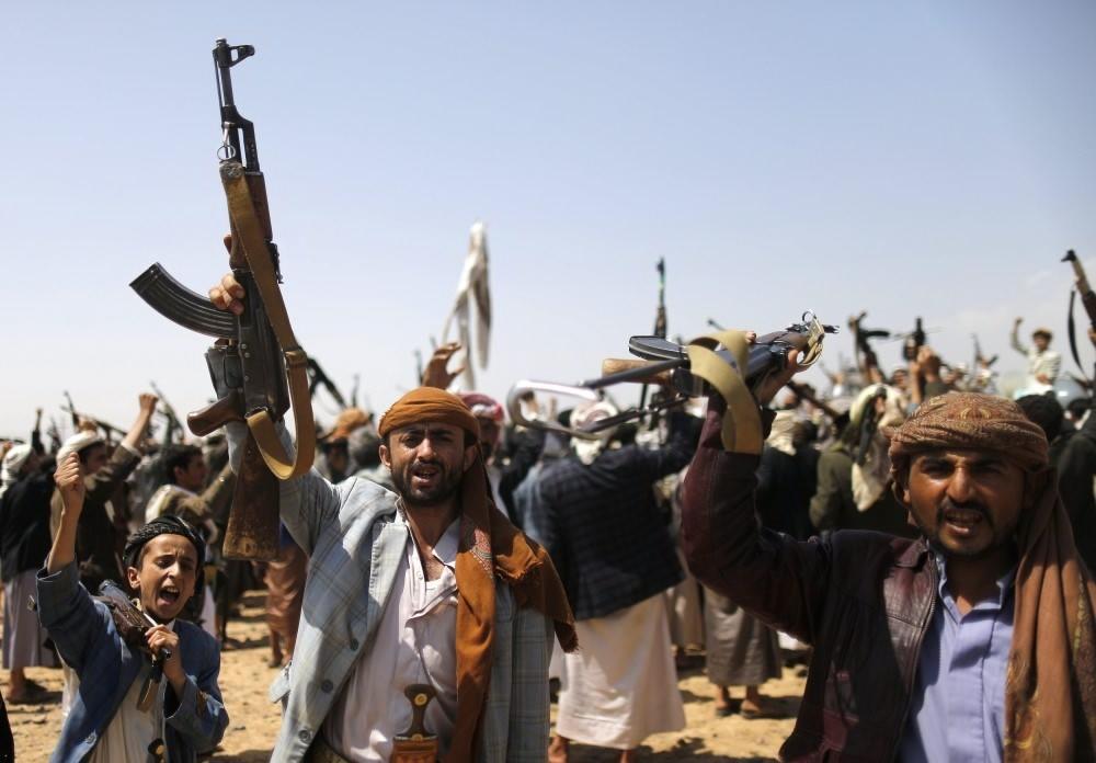 مليشيات الحوثي تستهدف عرضاً عسكريا في قاعدة العند