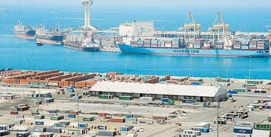 ميناء جدة ينقذ حياة بحار روماني على متن ناقلة نفط بالبحر الأحمر