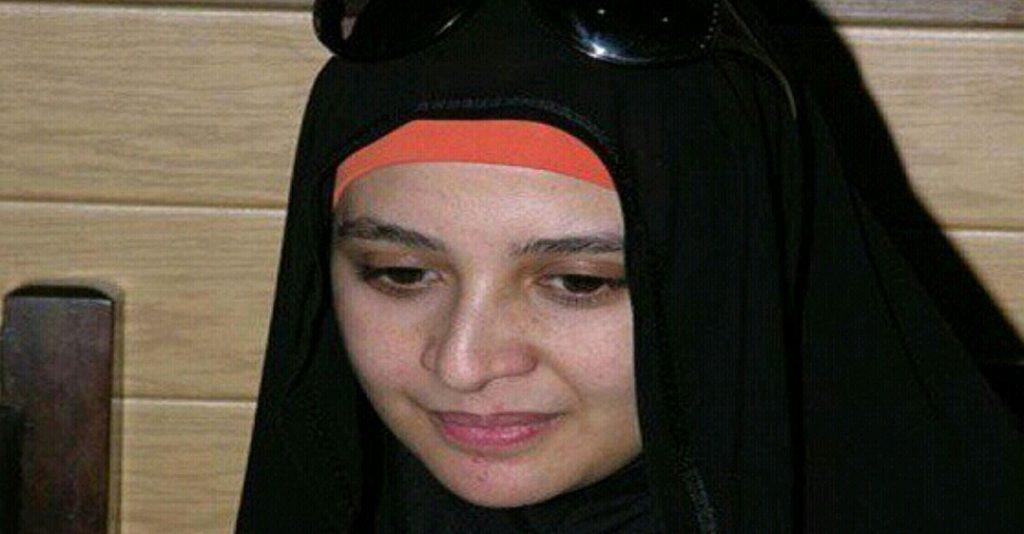 حنان ترك ترد على سما المصري حول خلعها للحجاب