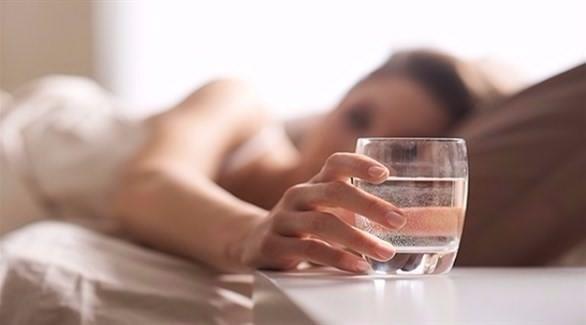 انتبه .. لا تضع كأس ماء بالقرب منك أثناء النوم