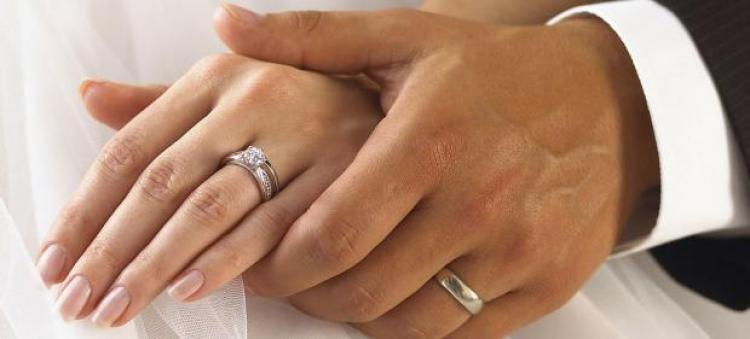 اللي يصبر ينول.. معضولة عنيزة تتزوج ممن اختارته بعد معاناة 15 عامًا