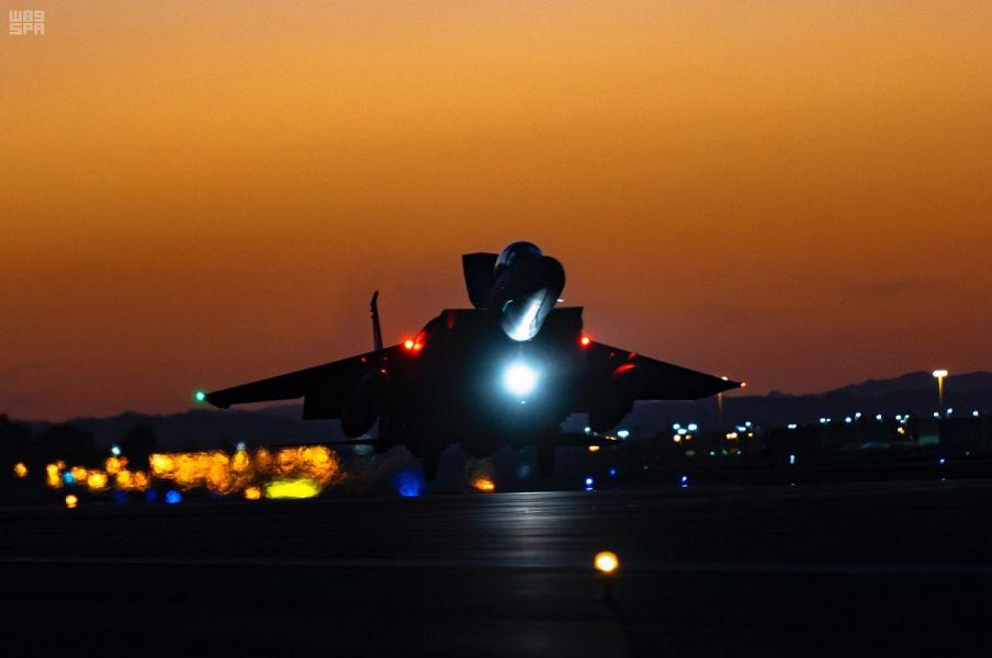 """القوات الجوية تشارك بأحدث طائراتها في تمرين """"العلم الأحمر"""""""