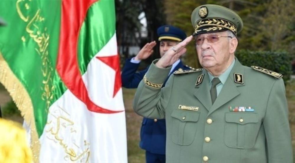 قائد أركان الجيش الجزائري ينفي نيته الترشح لرئاسة البلاد