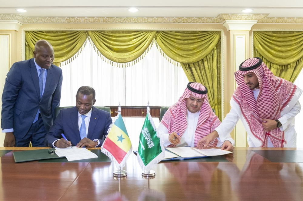 المملكة توقع اتفاقية في مجال خدمات النقل الجوي مع السنغال