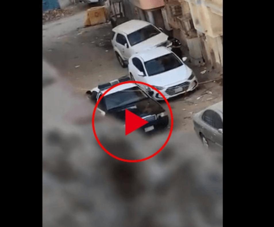 شرطة مكة المكرمة توضح ملابسات المقطع المتداول لتعامل رجل أمن مع مركبة في وضع التشغيل
