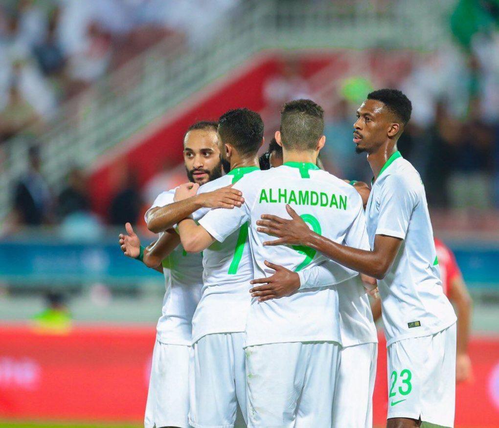 الأخضر يستعيد الأمل أمام البحرين