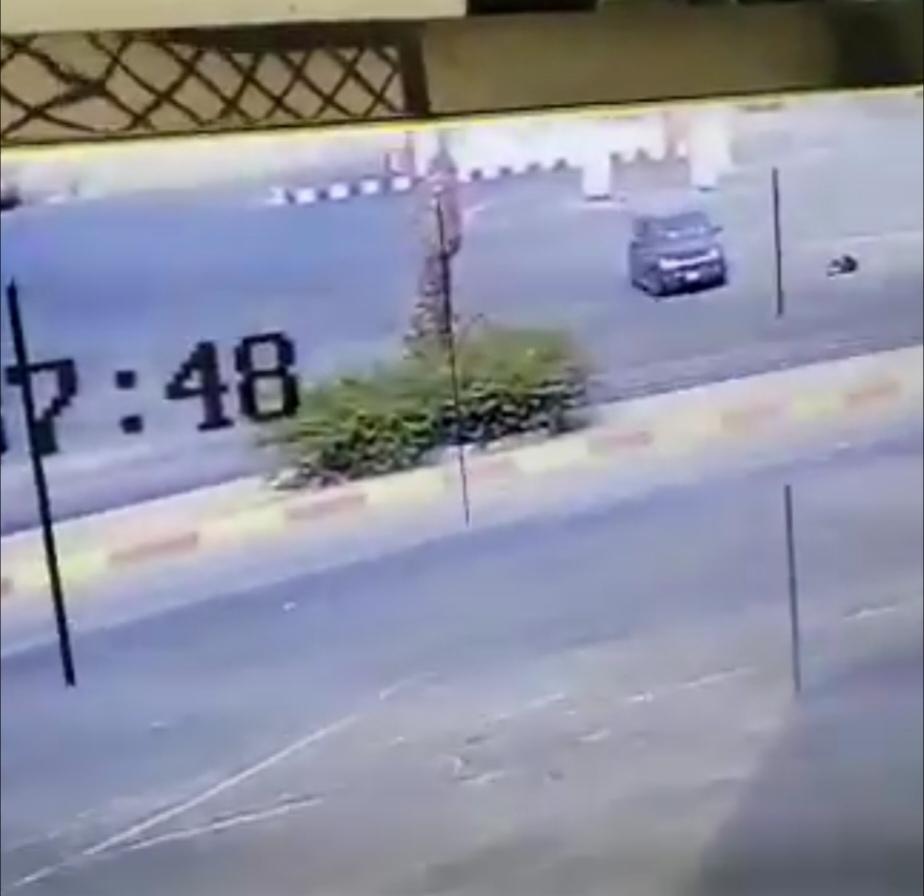 شرطة عسير تعلق على فيديو دهس مواطن لزوجته عمداً