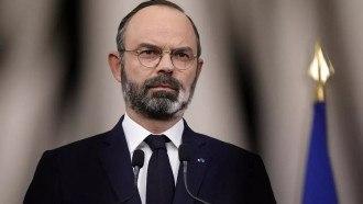 رئيس الوزراء الفرنسي يستقيل من منصبه