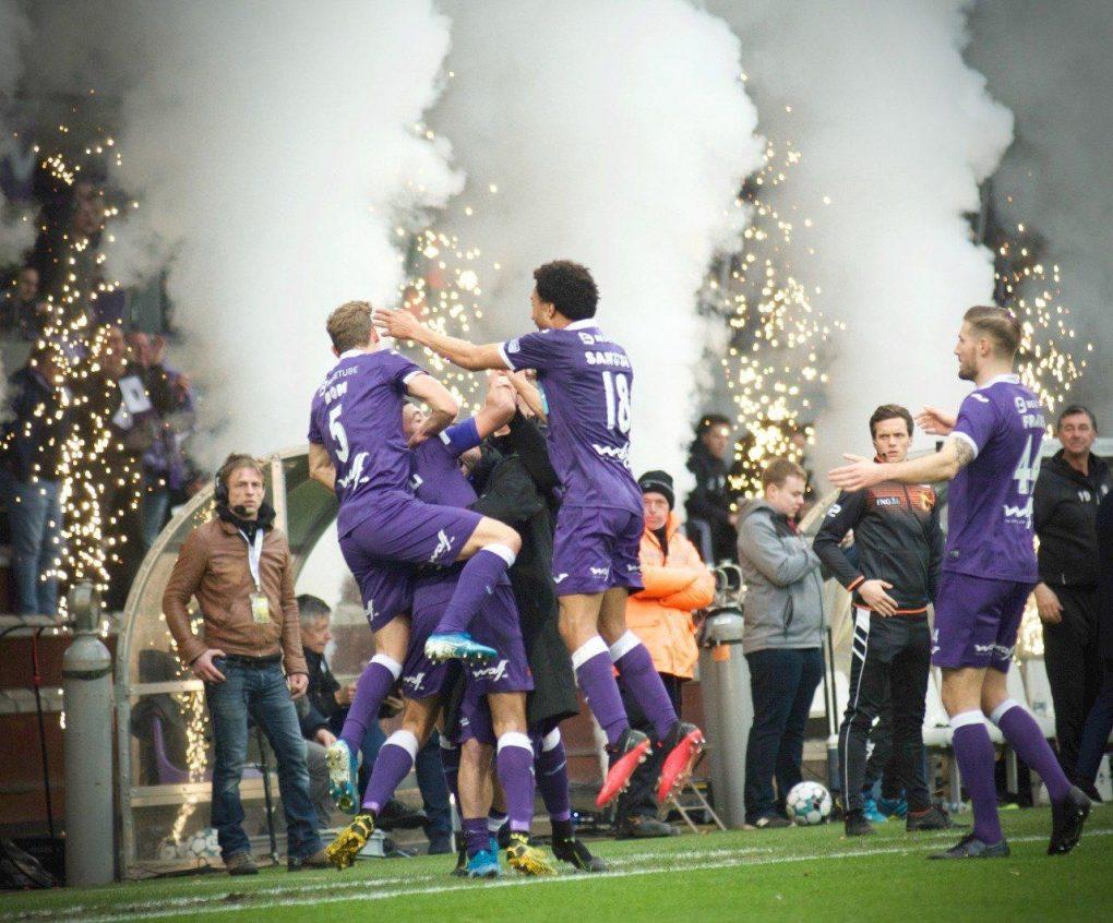 فريق الأمير عبدالله بن مساعد بيرشكوت البلجيكي يصعد إلى الدوري الممتاز