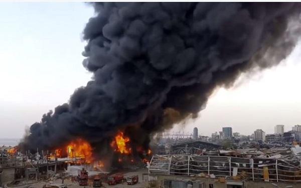 شاهد.. حريق جديد في مرفأ بيروت