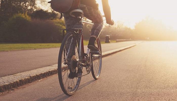 """""""المرور"""": 6 إرشادات لقيادة دراجة هوائية بشكل آمن"""