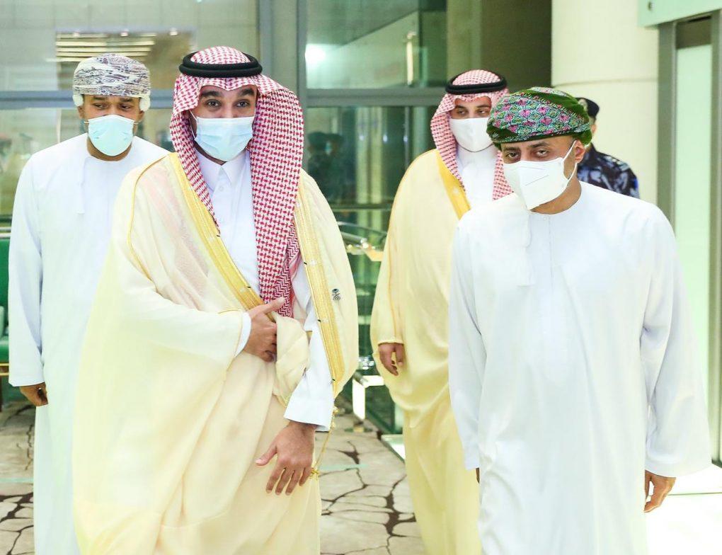 الأمير عبدالعزيز يصل عمان لقيادة ملف 2030