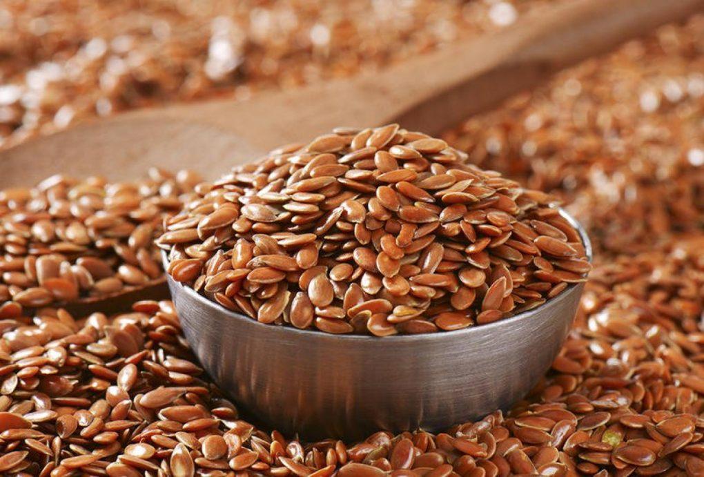 فوائد صحية مذهلة لزيت بذر الكتان.. تعرف عليها