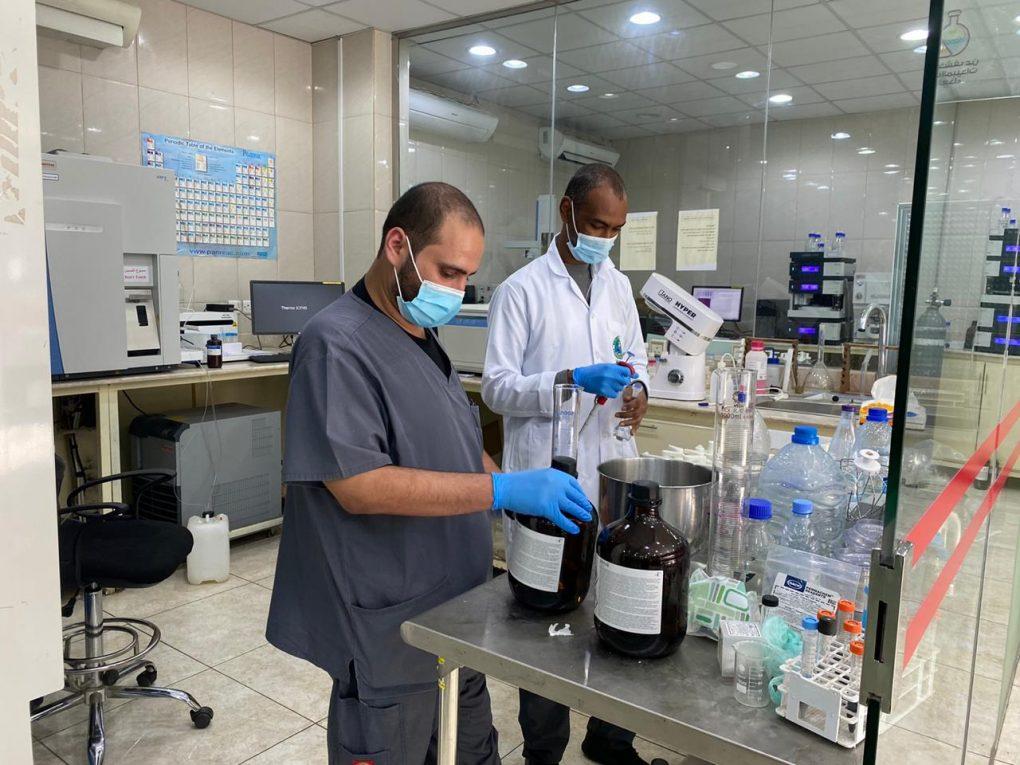 مختبر سلامة الغذاء والبيئة يجري 1740 اختباراً خلال شهر نوفمبر