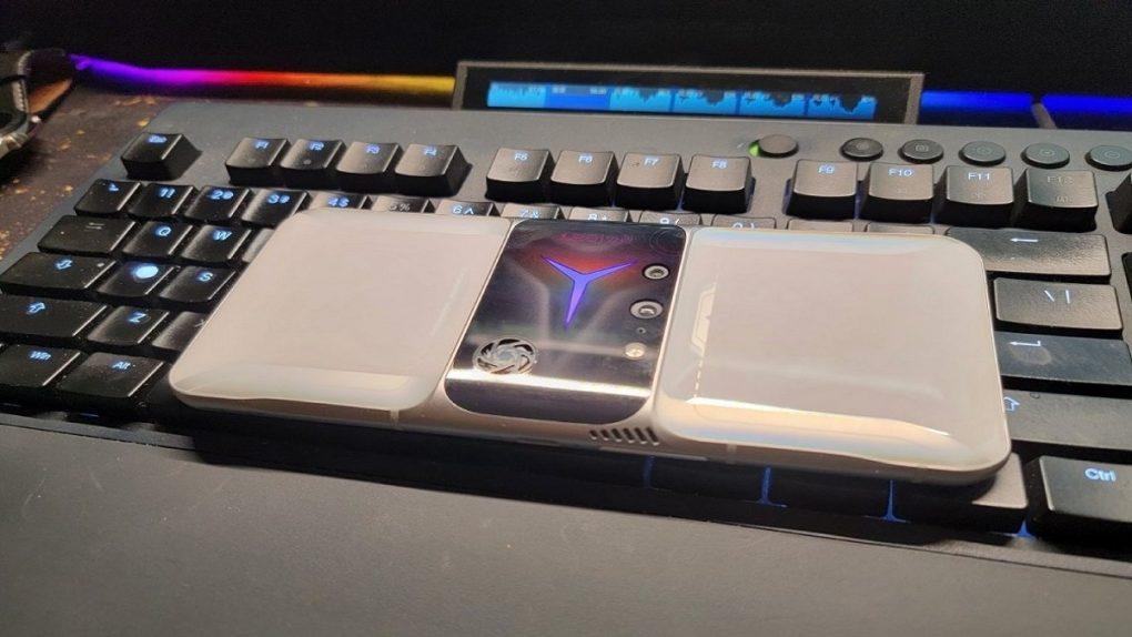 """الكشف عن تصميم هاتف الألعاب Lenovo Legion 2 Pro"""""""""""