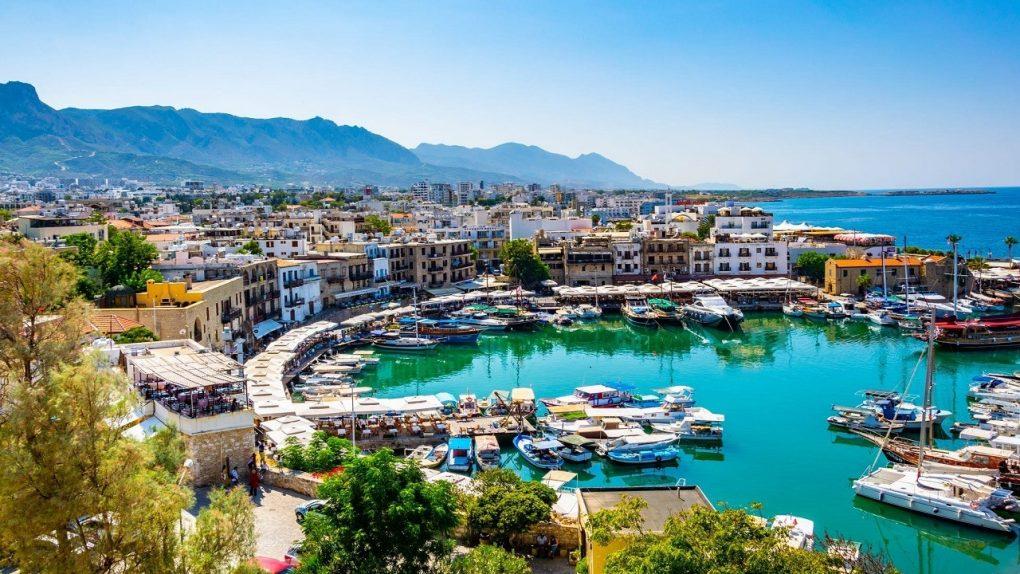 """قبرص تحدد موعد استقبال السياح السعوديين """"المحصنين"""""""