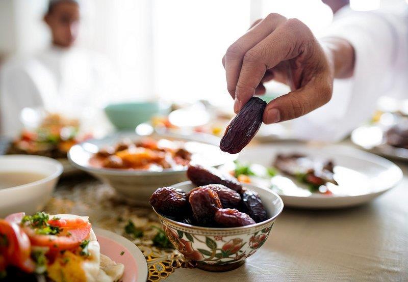 هنا.. نصائح لتهيئة المعدة بعد رمضان