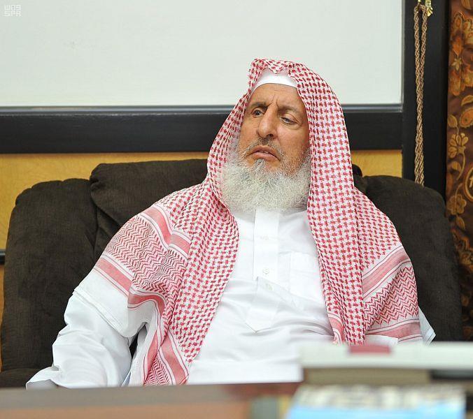 المفتي العام: يجوز إقامة صلاة العيد وخطبتها 3 مرات في دول الأقليات المسلمة في ظل إجراءات كورونا