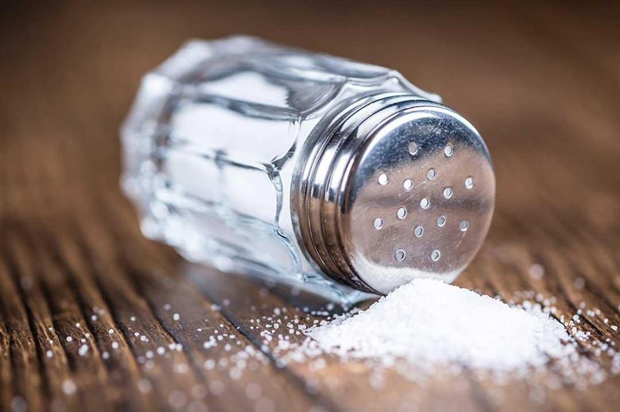 الغذاء والدواء توضح كيفية قراءة مقادير الملح على العبوات الغذائية