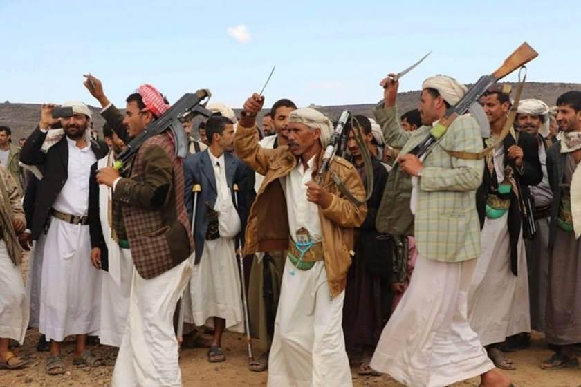 مليشيا الحوثي تختطف محتجات ضد غلاء المعيشة