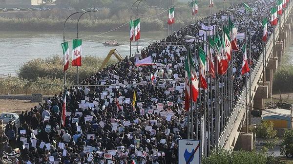 انشقاق عناصر من الباسيج تضامنًا مع ثورة الشعب الإيراني