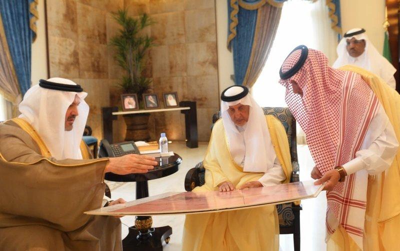 """""""الفيصل"""" يوافق على تخصيص أرض بالطائف الجديد لإقامة نادٍ للفروسية"""