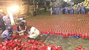 إحباط أكبر عملية تهريب حبوب مخدرة للكويت داخل علب «كاتشب» (فيديو)