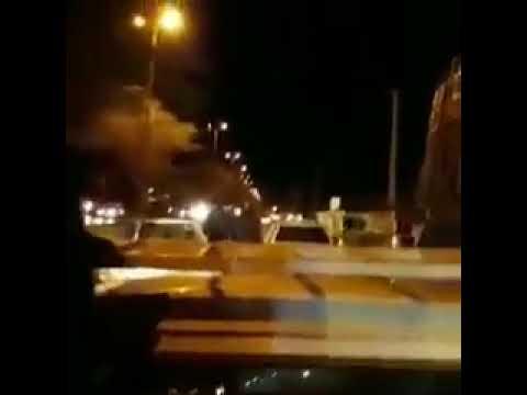 شاهد.. الشرطة الإيرانية تصادر الكوفية من الأحوازيين