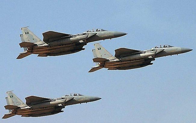 طيران التحالف يقصف ثلاثة أطقم حوثية كانت في طريقها إلى البيضاء