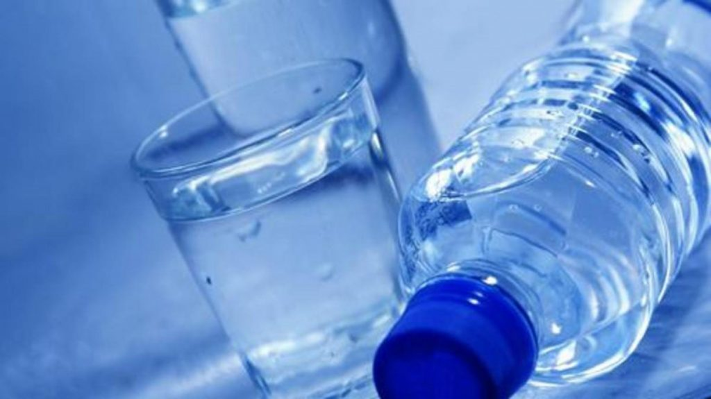 هل الإفراط في شرب الماء «قاتل»؟