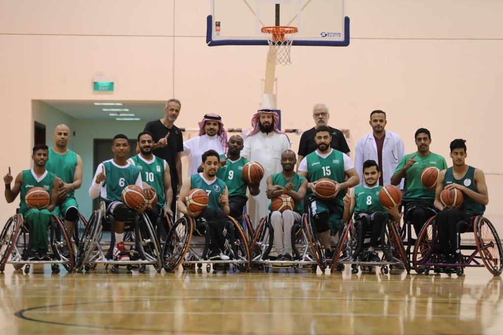 أخضر الكراسي المتحركة يبدأ معسكر القاهرة استعداداً للخليجية