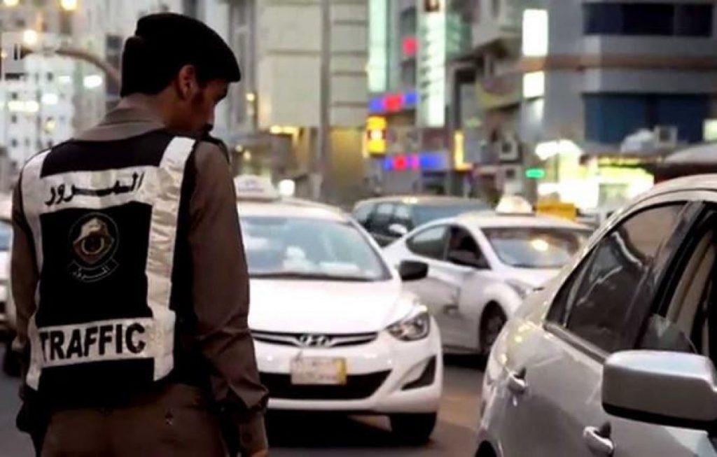 «المرور» يحذر قائدي المركبات من ارتكاب هذه المخالفة