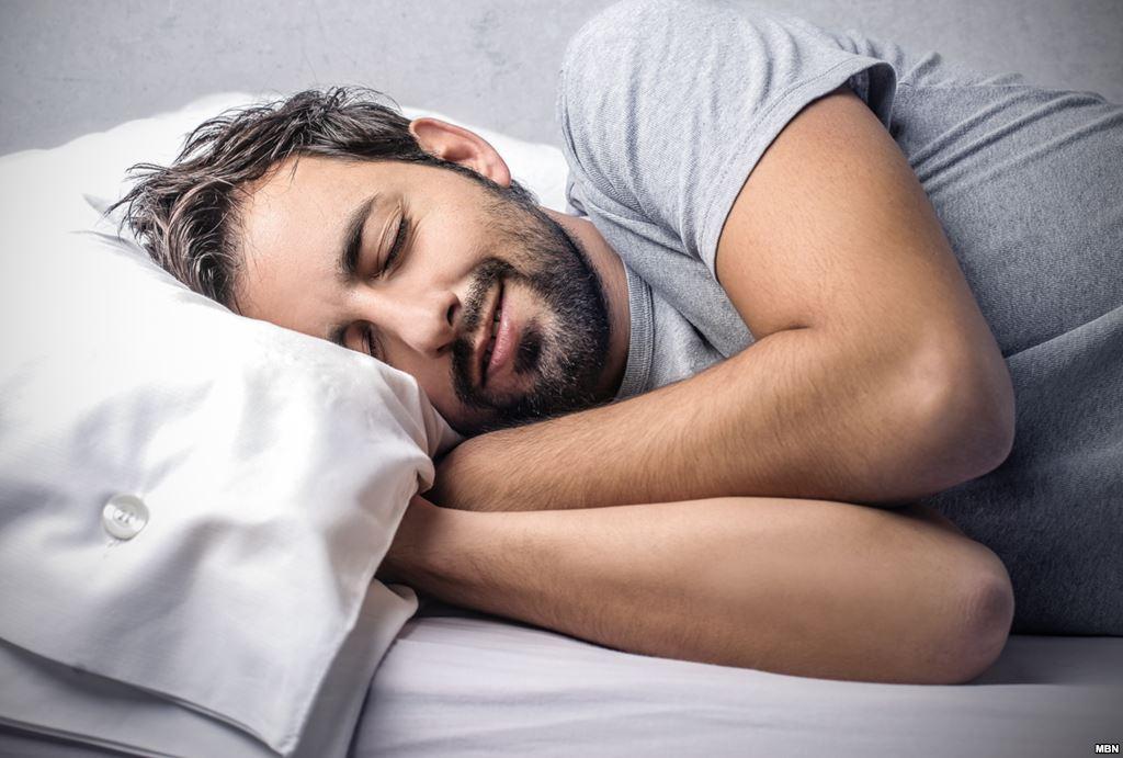 دراسة: النوم أفضل من «الجيم» لإنقاص الوزن