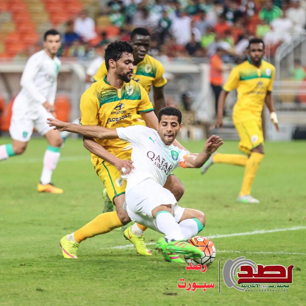 الدوري السعودي: الأهلي يهدر فرصة الصدارة بتعادله مع الخليج