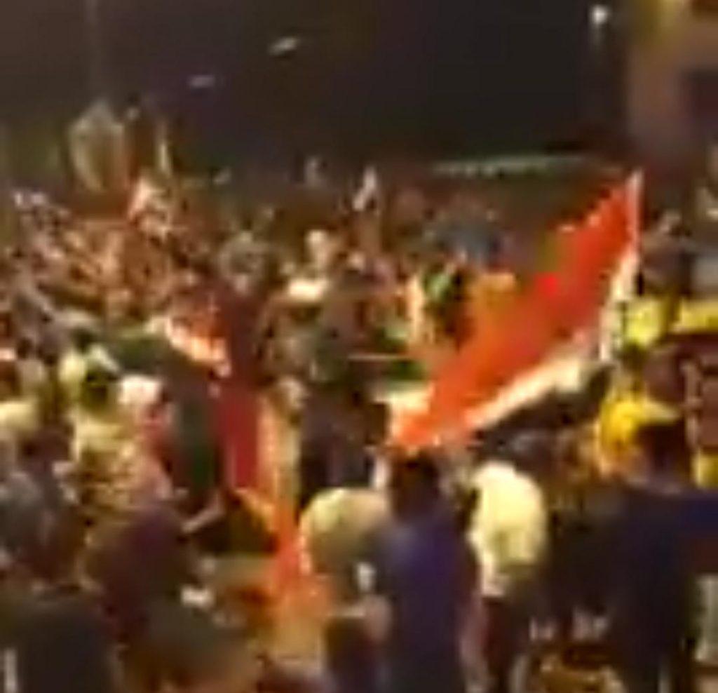شاهد.. هتافات مناهضة لإيران خلال مظاهرات في بغداد