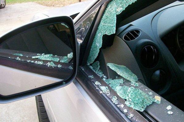 الإطاحة بيمني سرق سيارة مواطن بحي السامر في جدة