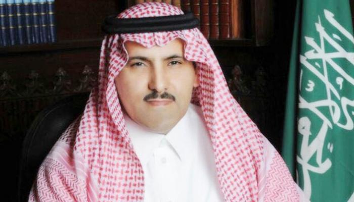 آل جابر: طائرات إغاثية سعودية تصل سقطري قريبًا