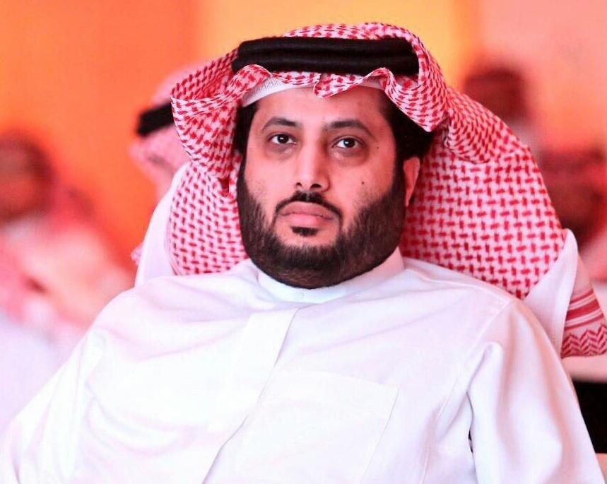 تركي آل الشيخ يتفاعل مع مواطن كفيف يبحث عن وظيفة