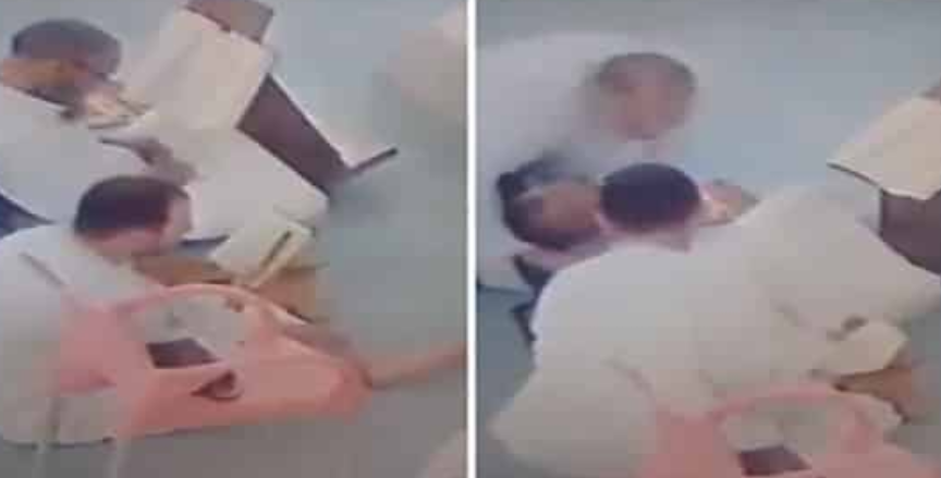 شاهد.. لحظة وفاة رجل يقرأ القرآن في المسجد