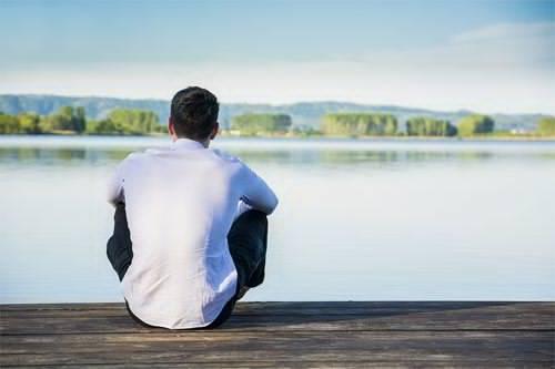 دراسة أمريكية حديثة : التأمل مرتين أسبوعيًا لمدة ساعة ونصف تحد من أعراض الاكتئاب